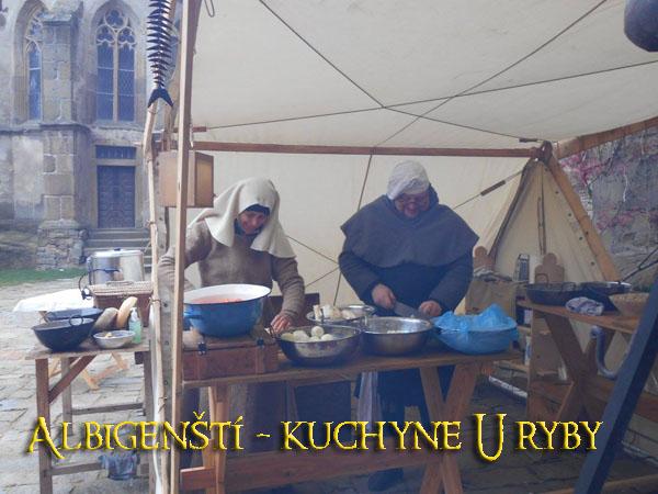 Albigenští - kuchyně U ryby